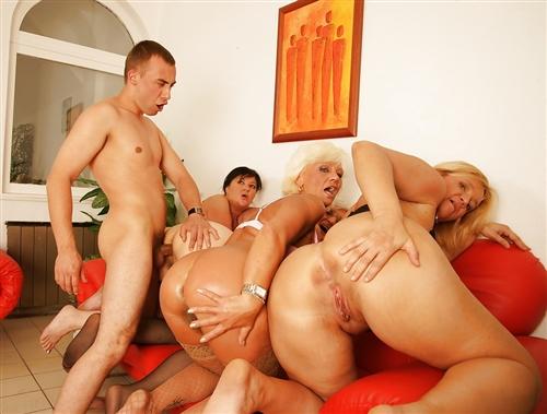 Gruppovoe-Porno-Zrelykh-Dam-Anal