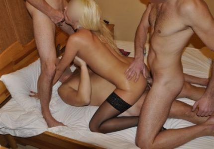 Porno-Gruppovoe-Domashnee-Blondinku