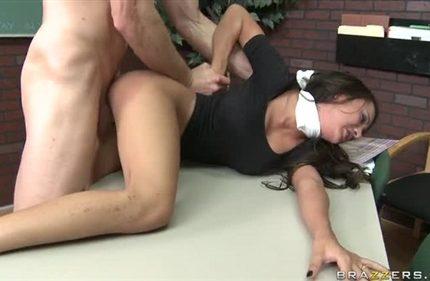 Porno-Rasskazy-Gruppovoe-Iznasilovanie-Uchilki
